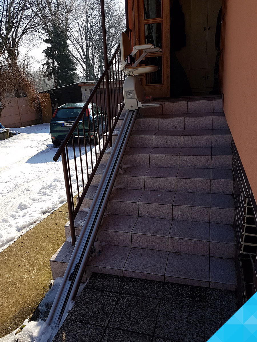 Stoličkový výťah na schody - Acorn 130