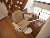 Domáci schodiskový výťah Freelift