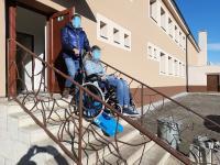 Pásový schodolez pre vozíčkarov