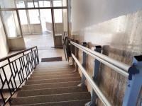 Šikmá schodisková plošina Logic – v bytovke