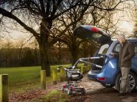 Úprava automobilu pre imobilných - Zdvihák invalidných vozíkov